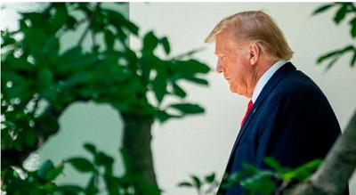 Donald Trump discussing coronavirus red zone in 18 states