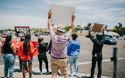 demonstrations in america celebrating sharrif refusal of calls agains black lives matter